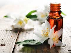 Jasmine Essential Oil Uses